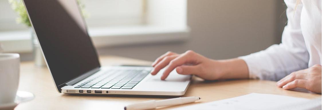 US website hosting laptop